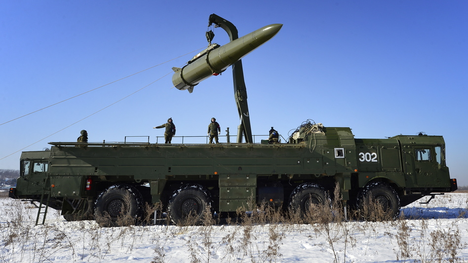 Russian troops load a missile onto an Iskander-M launcher during a 2016 exercise. Russia is now deploying missiles to Kaliningrad, its Baltic exclave. (Yuri Smityuk/TASS via Getty Images)