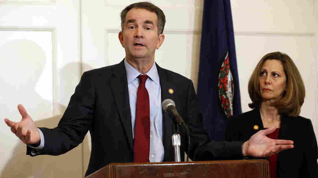 Virginia Gov. Northam meets with senior staff amid mounting pressure to resign