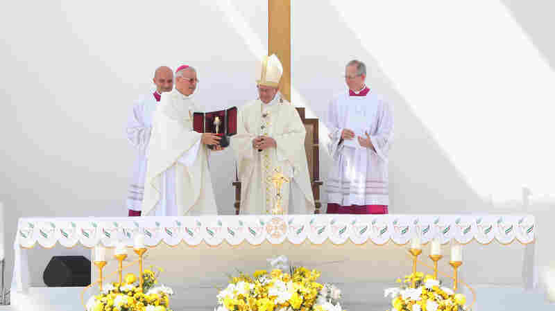 Pope Francis Delivers First Papal Mass On Arabian Peninsula