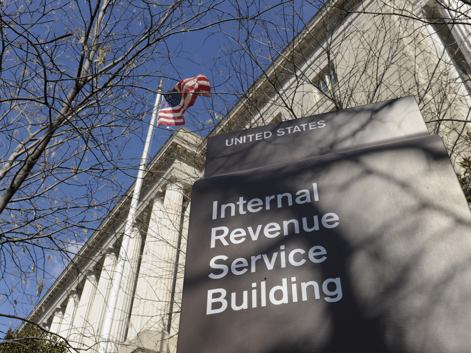 Taxpayers faced with smaller refunds or higher taxes have been airing their grievances online. (Susan Walsh/AP)