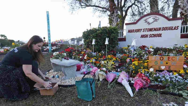 'We Live With It Every Day': Parkland Community Marks 1 Year Since Massacre