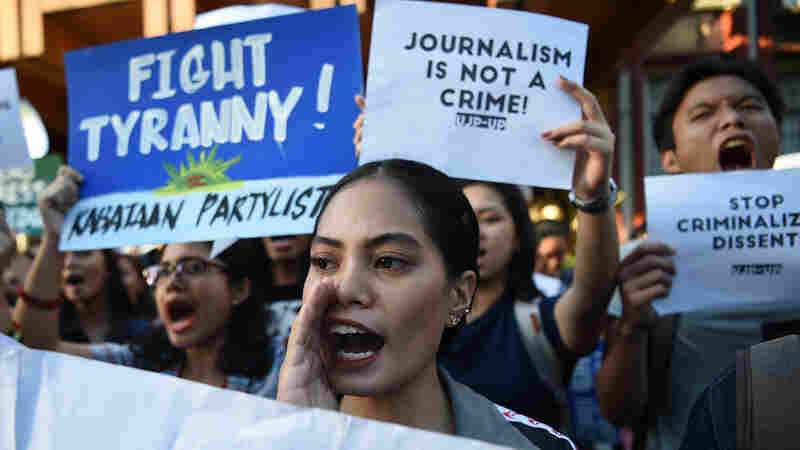 Journalist's Arrest In Philippines Sparks Demonstrations, Fears Of Wider Crackdown