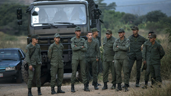 Venezuela s Maduro Orders Closure Of Brazilian Border