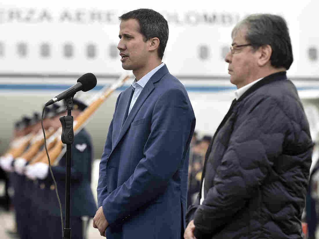 Venezuela closes border with Colombia
