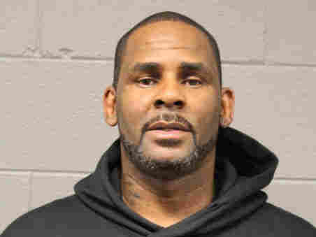 R. Kelly Cannot Afford His $100,000 Bail Fee