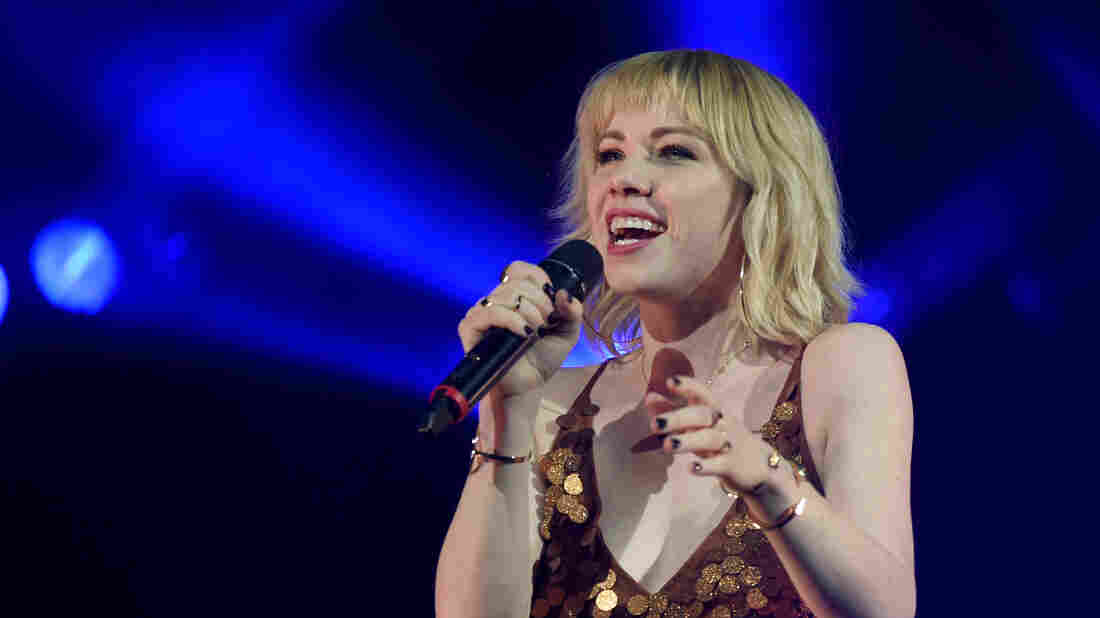 Carly Rae Jepsen releases two anthemic singles