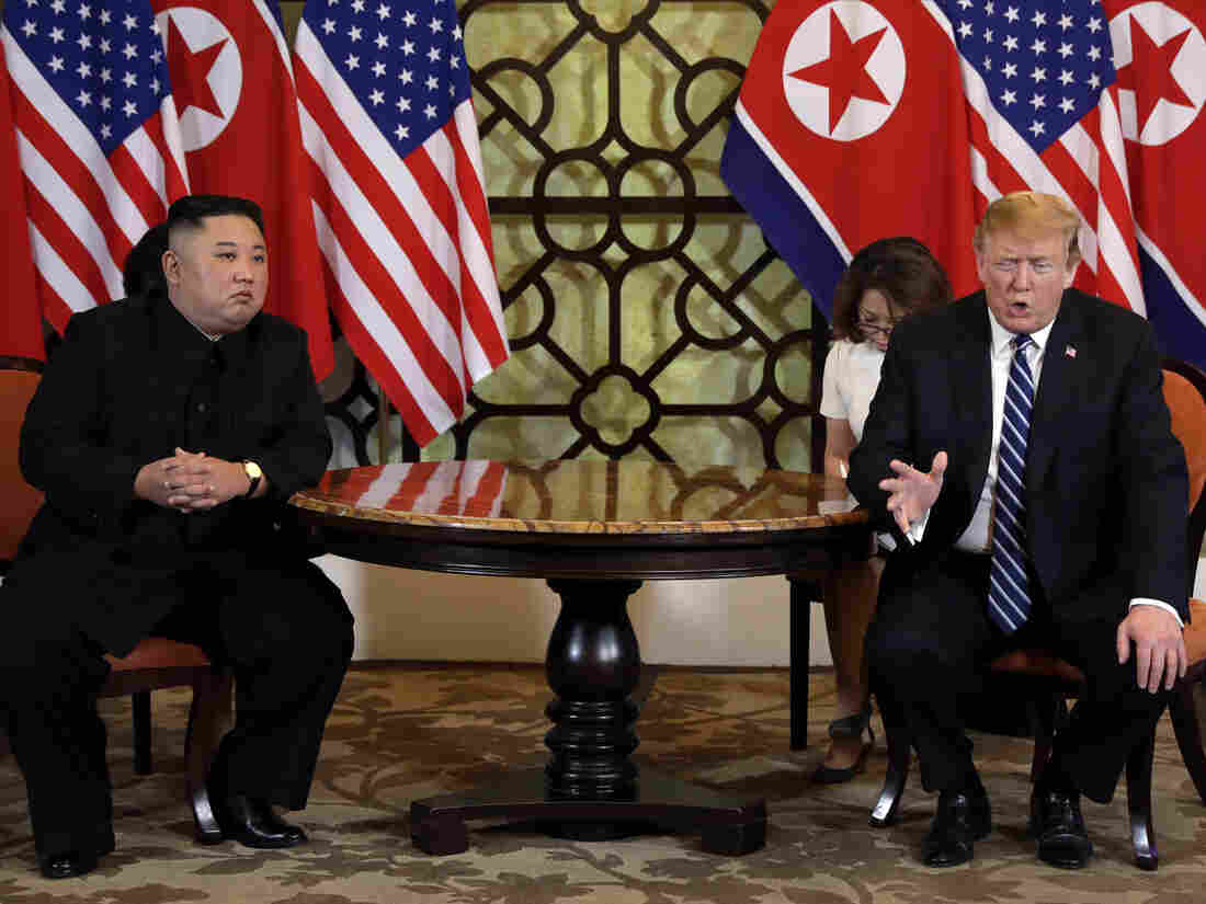 Trump, Kim hold 1st formal bilateral meeting