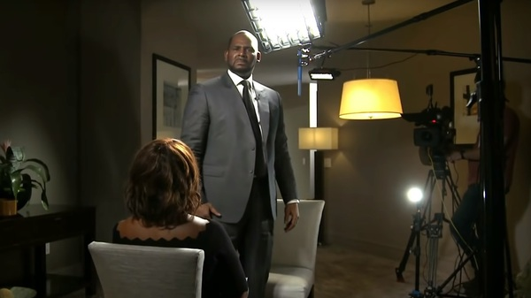 R. Kelly gave a tense interview to CBS This Morning, at one point standing and shouting tearful denials at the cameras and at anchor Gayle King.