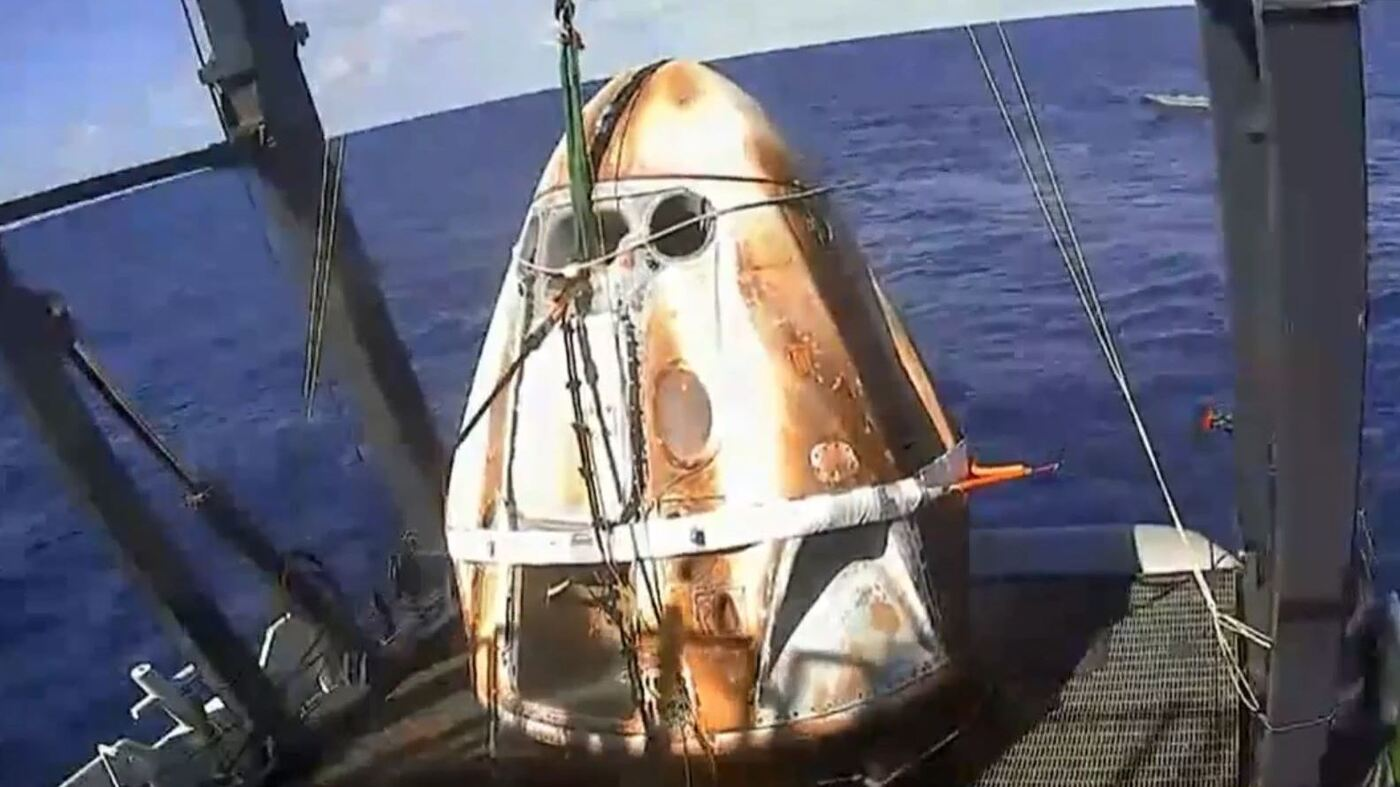 Video: SpaceX Crew Dragon Splashes Down In Atlantic Ocean : NPR