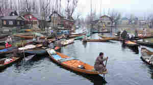 Amid The Unrest In Kashmir, Dal Lake's Floating Produce Market Is A Lifeline