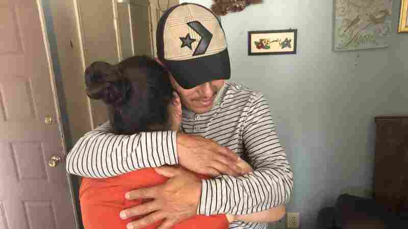 A Honduran Father Is Reunited With His Daughter, 10 Months After Being Separated