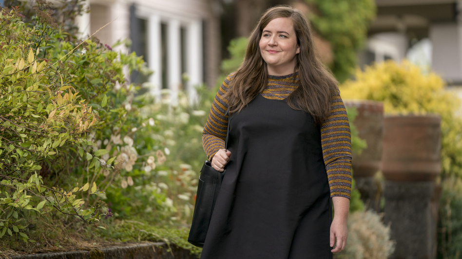 Aidy Bryant plays a young journalist named Annie in the Hulu comedy <em>Shrill. </em>The series is based on Lindy West's 2016 memoir. (Allyson Riggs/Hulu)