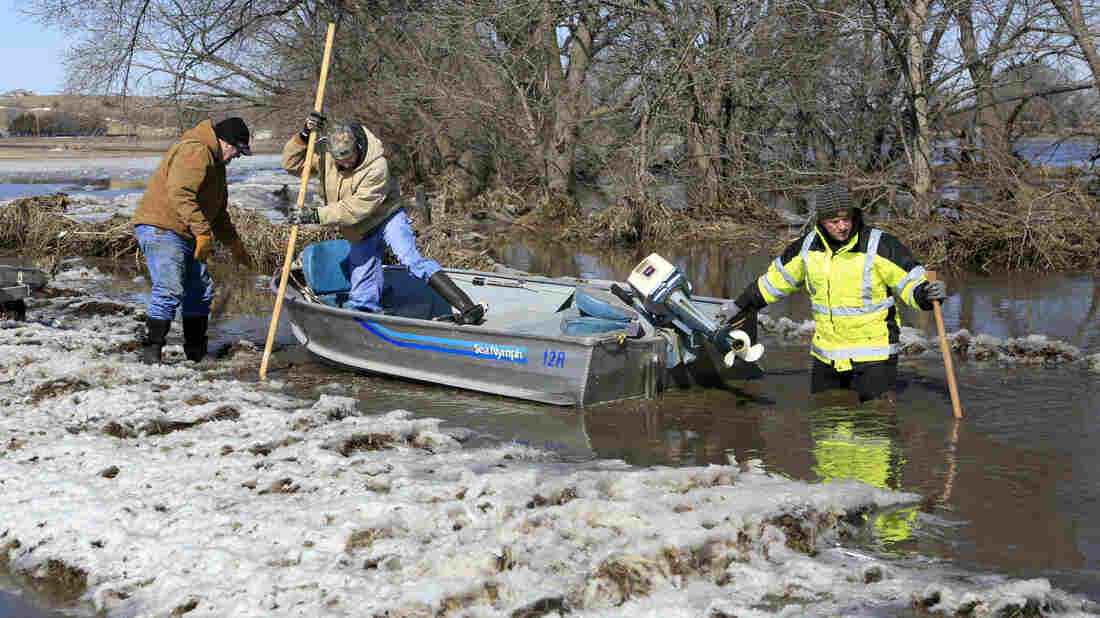 Rivers Rise, Watching for Ice Jams