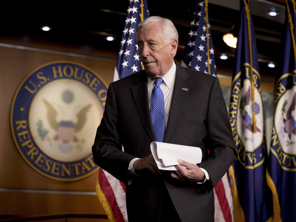 House Majority Leader Steny Hoyer supports raising member and staff pay, as well as reviving earmarks. (Andrew Harnik/AP)
