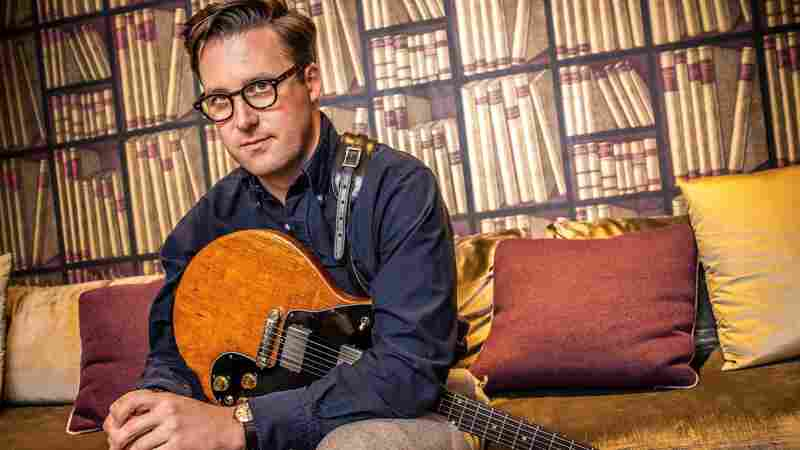 Watch Nick Waterhouse Perform 'Black Glass' Live In The Studio