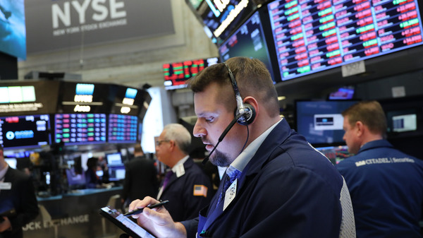Major U.S. stock indexes fell Friday as short-term Treasury yields exceeded those on long-term bonds, in what some analysts consider a sign that a recession may be coming.