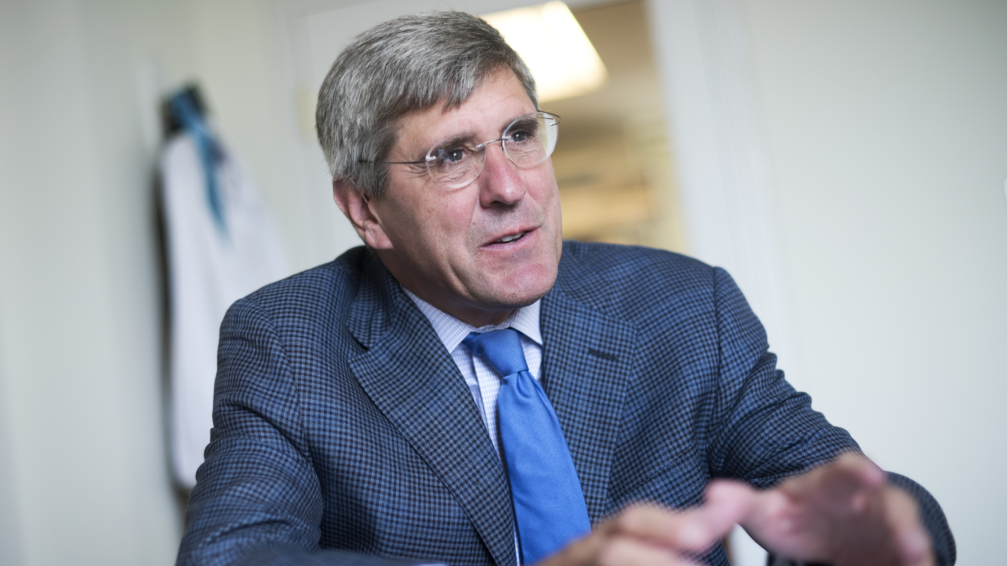 Trump says to nominate Stephen Moore to FED