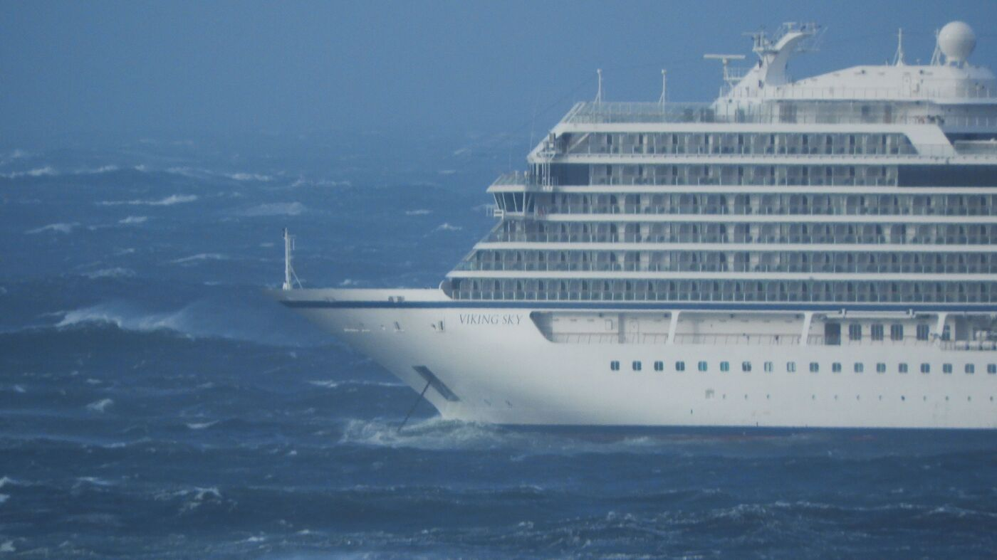 Passengers Rescued From Disabled Cruise Ship Off Norway's West Coast thumbnail