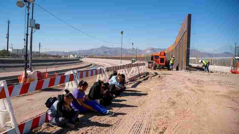 Pentagon Authorizes $1 Billion For Fence Construction At Mexico Border