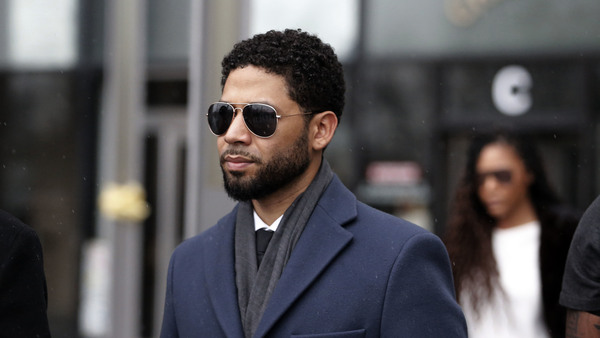 Actor Jussie Smollett leaves a Chicago courthouse after a court appearance earlier this month.