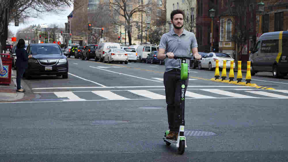 As Electric Scooters Proliferate, So Do Minor Injuries And Blocked Sidewalks