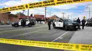 警方逮捕尼普西侯赛因杀人嫌疑人;19在说唱歌手的守夜中受伤