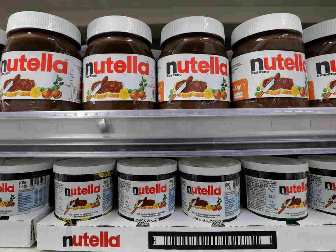 A promotional sale on Nutella was more successful than planned: Customers came to blows trying to get jars of the sweet spread after a grocery chain cut prices by 70 percent.