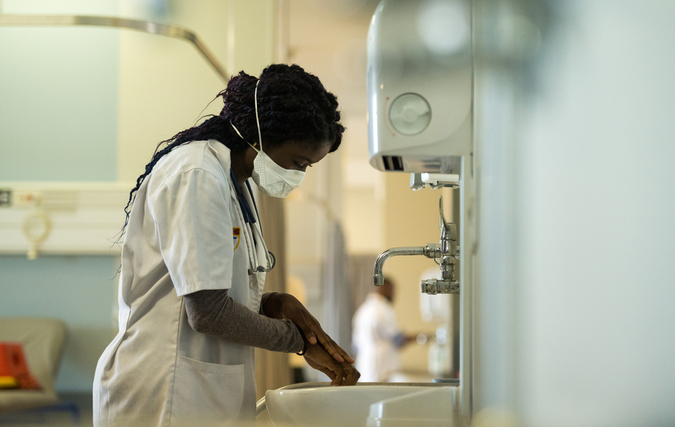 A new report finds that many health-care facilities in poor countries lack any sort of water supply. (stockstudioX/Getty Images)