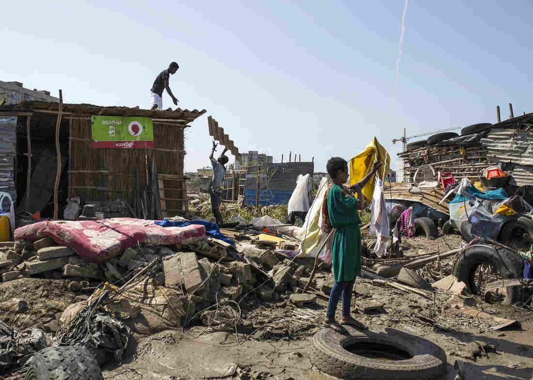 Cyclone Idai's death toll nears 1000 in Mozambique, Zimbabwe