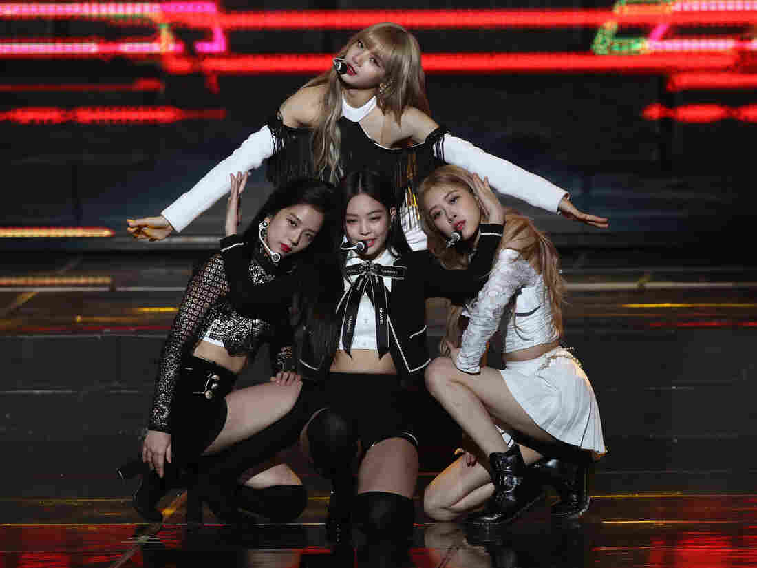 Girl group BLACKPINK performs on stage during the 8th Gaon Chart K-Pop Awards on January 23, 2019 in Seoul, South Korea. (Photo by Chung Sung-Jun/Getty Images)