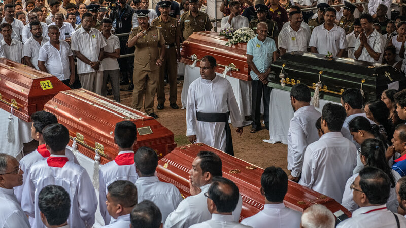 Sri Lanka Holds Mass Funerals For Victims Of The Easter