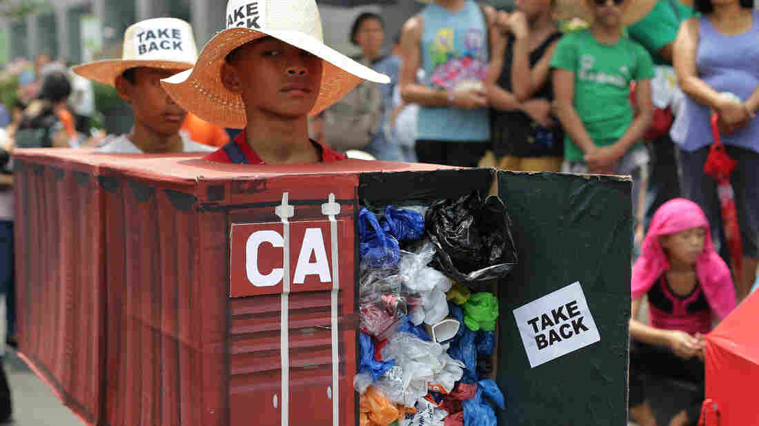Filipino president says Canada has one week to take trash back