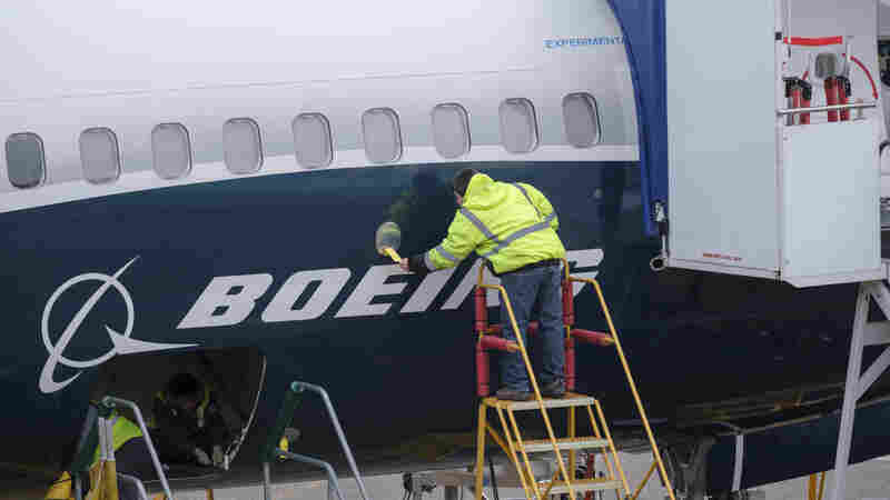 Aircraft Orders Jump, But Boeing 737 Max Grounding Could Trim U.S. Growth