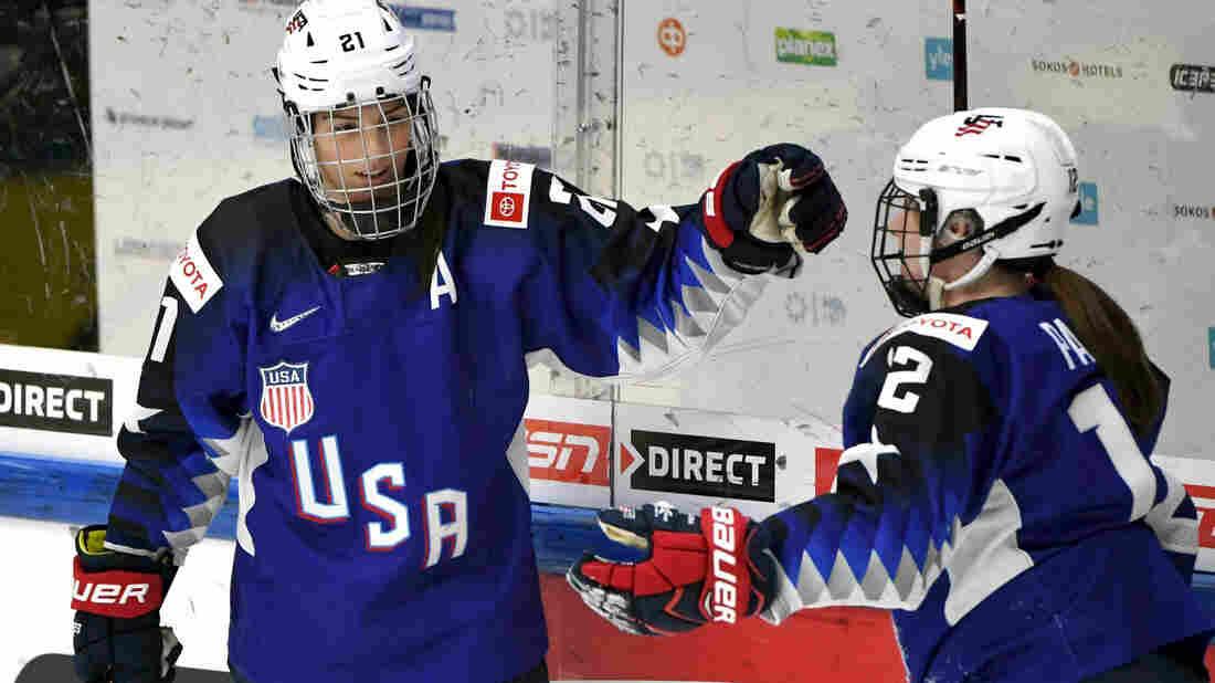Women's hockey stars to boycott pro season, demand single 'viable' league