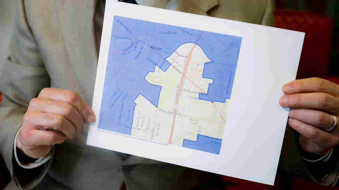 U.S. judges order Ohio to revamp Republican-drawn gerrymandered districts