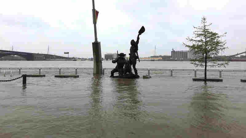 The Mississippi River Has Been Flooding For 41 Days Now