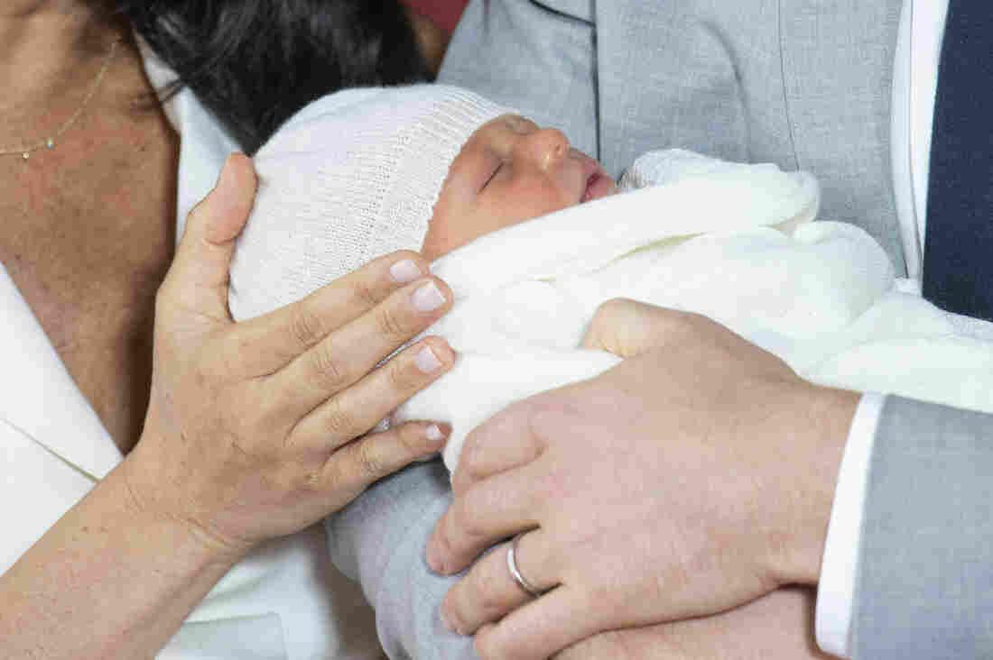 Westlake Legal Group ap_19128410823647_custom-8abef4cf3ff7d8488049350ffc5b8f25e38be9da-s1100-c15 PHOTOS: A New Addition To The Royal Baby Album