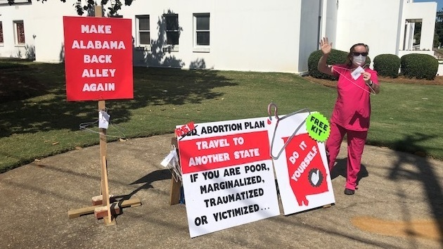 Alabama Lawmakers Pass Bill Banning Nearly All Abortions