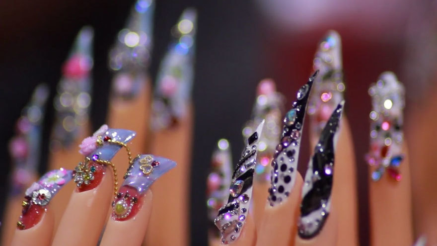How Vietnamese Americans Took Over The Nails Business: A Documentary