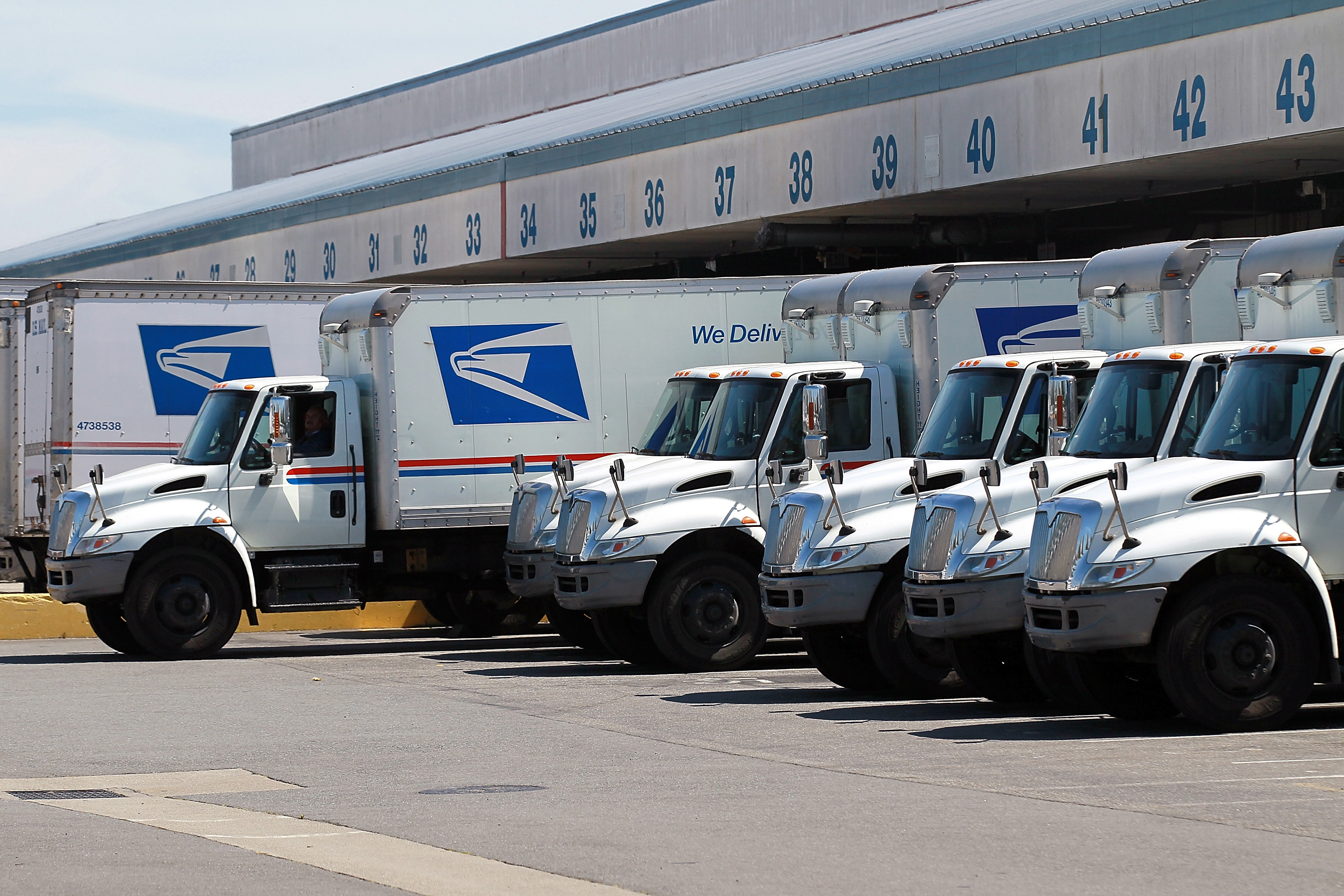 U.S. Postal Service Tests Self-Driving Trucks