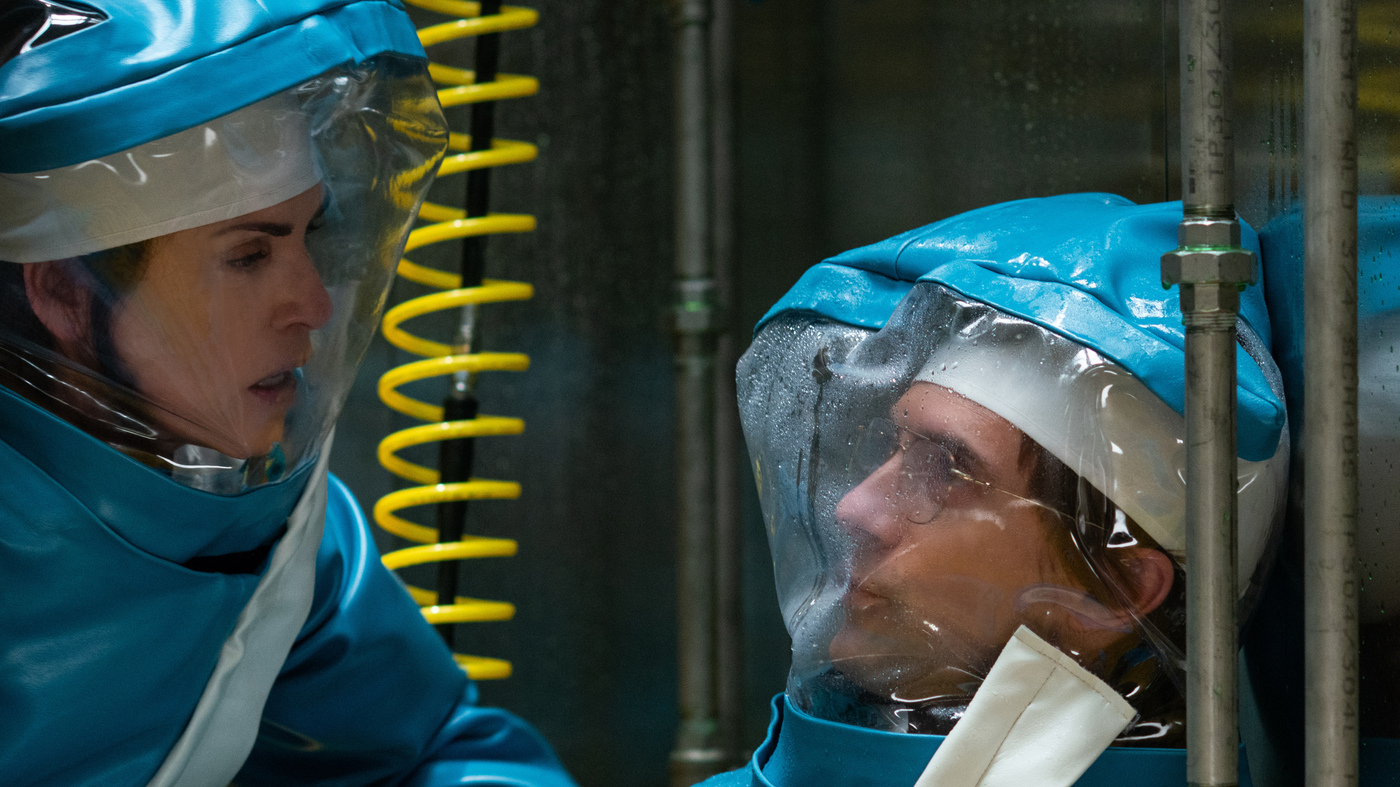 A NatGeo TV Drama Is 'Inspired' By A 1989 Ebola Crisis In The U.S. How Accurate Is It?