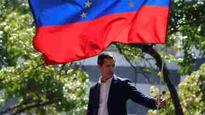 Delegates For Maduro, Guaidó To Meet For Talks On Ending Venezuela's Political Crisis