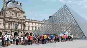 'The Louvre Is Suffocating': Museum Closed As Workers Strike, Citing Overcrowding