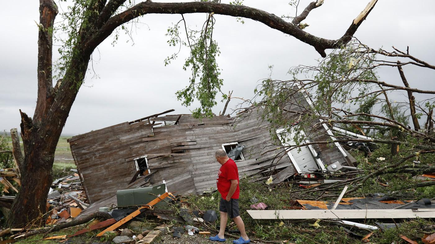 Massive Tornado Misses Kansas City But Damages Homes West Of City Npr