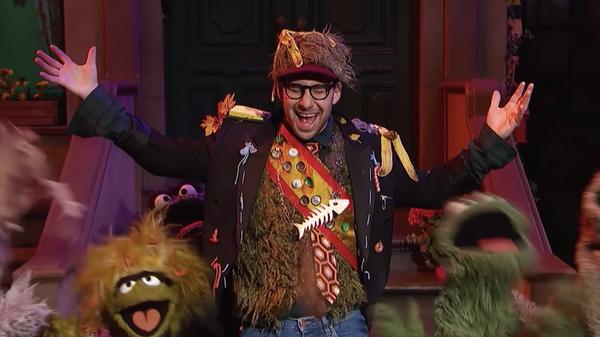"Producer and musician Jack Antonoff performs ""I Love Trash"" on Sesame Street."