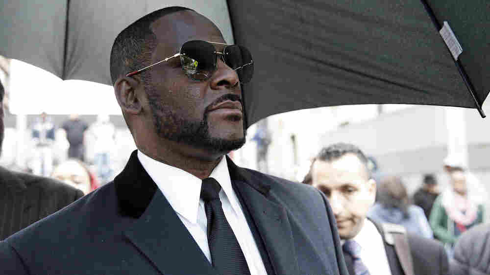 Reporter Who Broke R. Kelly Story: Abuse Was In 'Full View Of The World'