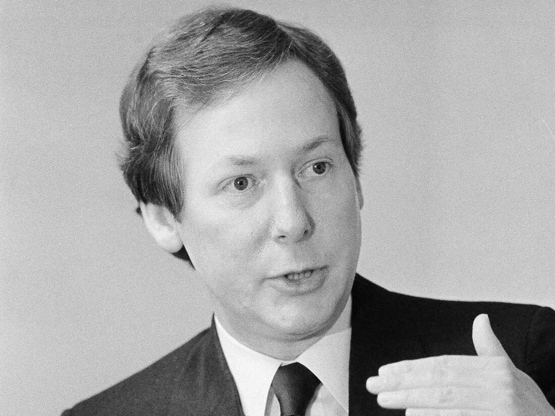 Jefferson County Judge Mitch McConnell declares his candidacy for the Republican nomination for the U.S. Senate during a press conference in Covington, Kentucky, Jan. 17, 1984.