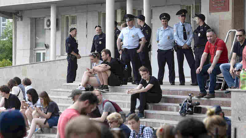 Report: Russia Exploits Western Legal Systems, Institutions To Its Advantage