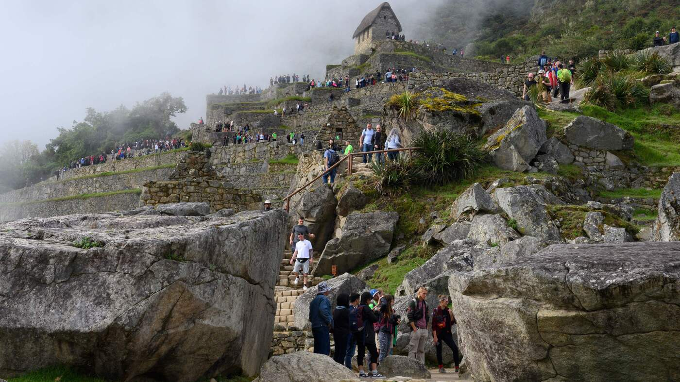 Conservationists Protest New Airport Near Machu Picchu