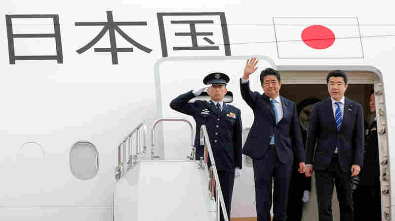 On Historic Visit To Iran, Japan's Abe Hopes To Play Role Of Mediator With U.S.